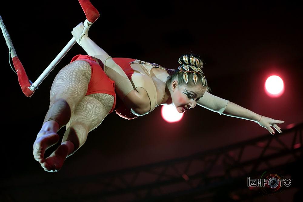 «Вдохновение», воздушная гимнастка на трапеции Любовь Ульянкина, Россия