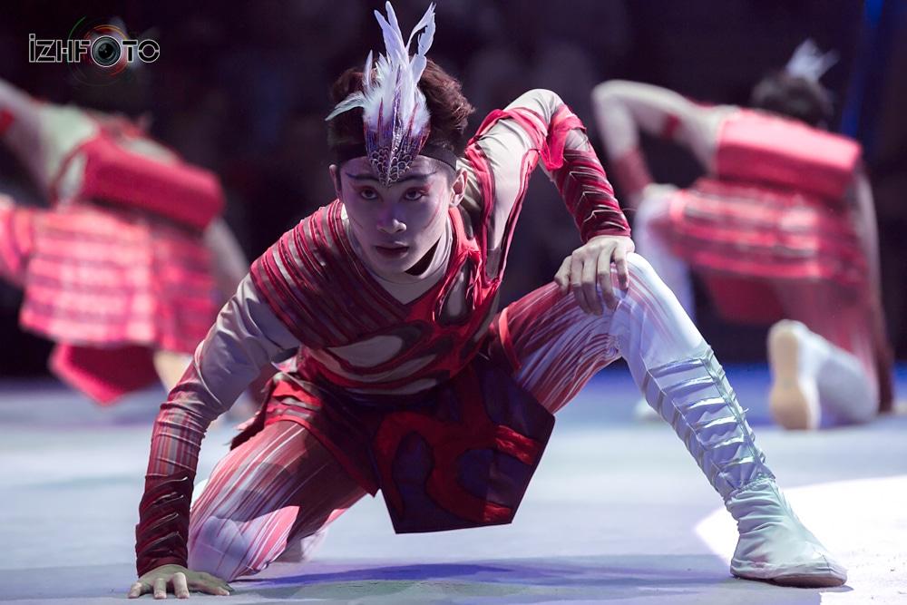 Цзинаньская акробатическая труппа «Бесстрашные» Икарийские игры, Китай