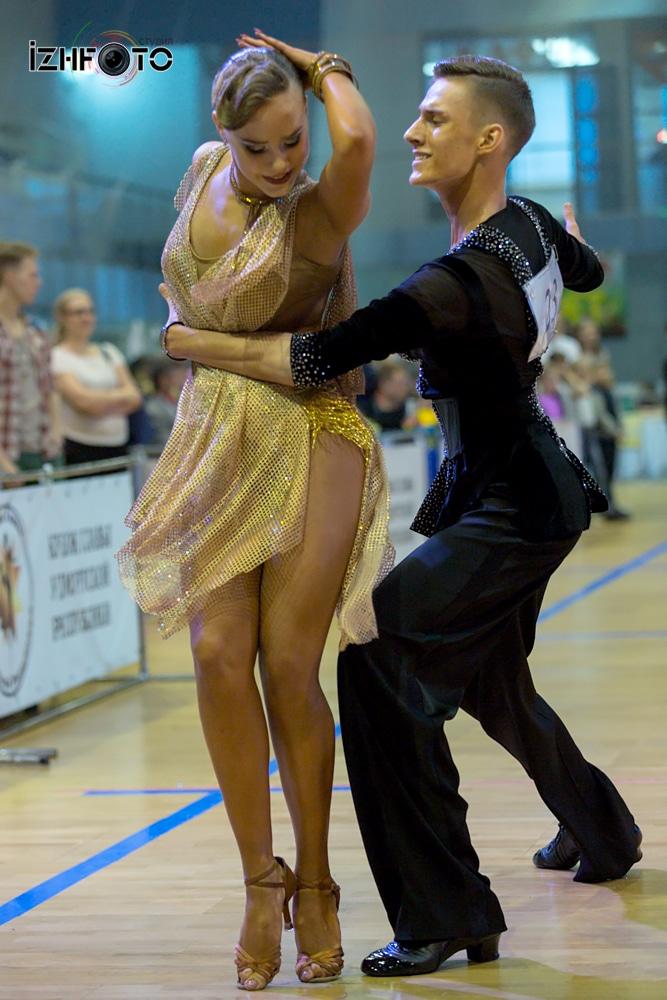 Спортивные танцы латина
