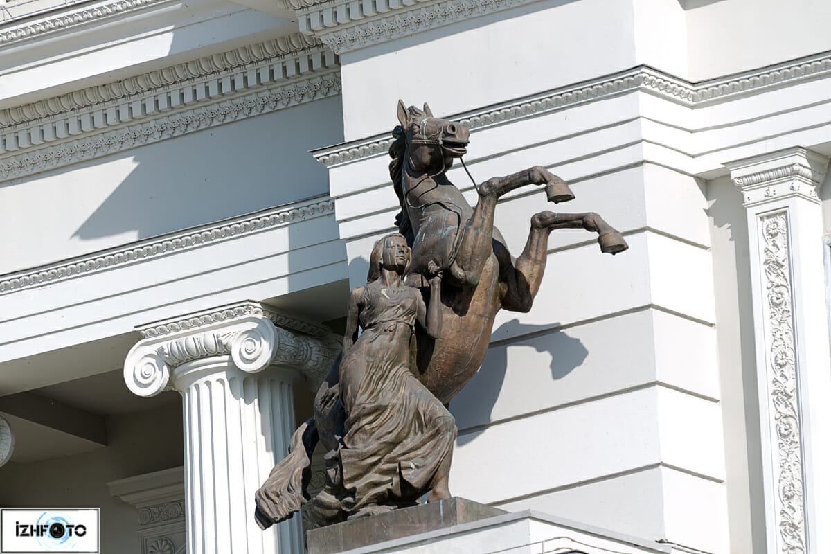 здание в историческом центре Казани