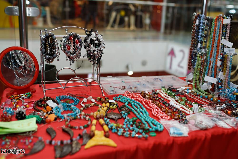 Мастер-классы по созданию браслетов и колье из натуральных камушков для всех желающих, Ижевск