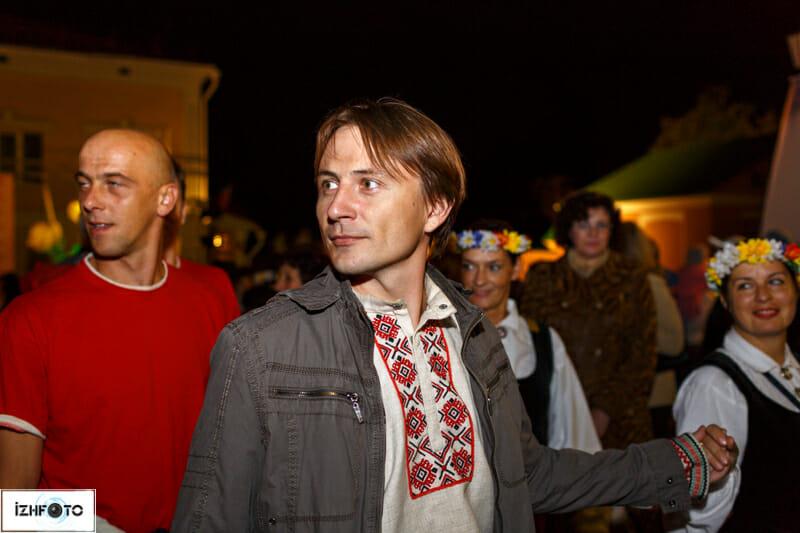 Массовые народные гуляния на Бурановском Фестивале
