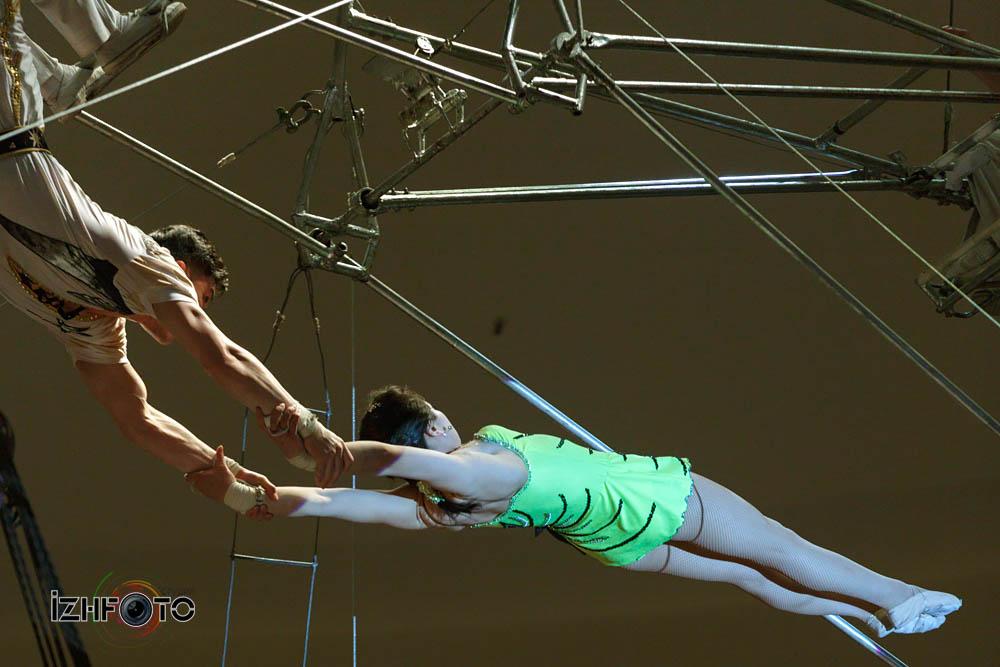 Воздушный полет Цирк