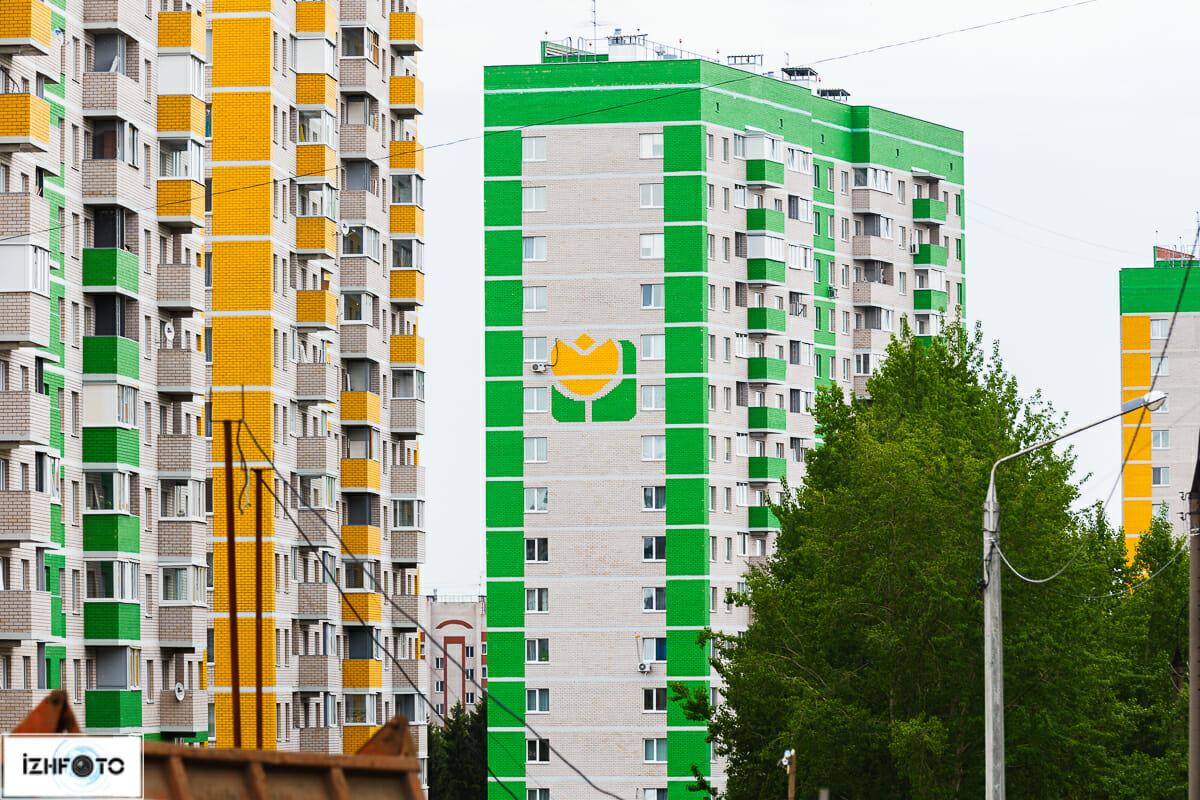 Комплекс расположен в спальном районе г.Ижевска