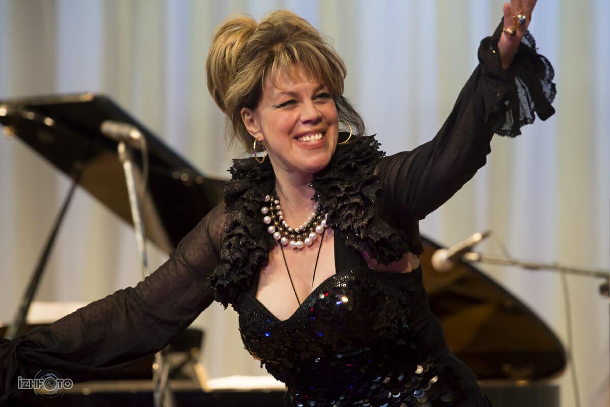 Любовь Казарновская в Ижевске, фото с концерта