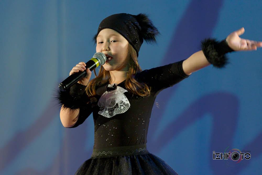 Мария Семакина, 7 лет девочка - Кошка, Песня «Села кошка на диету»