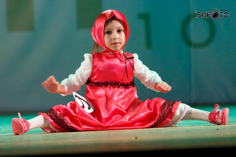 Ксения Леднева, 4 года, Маша,Танец Маша-следопыт