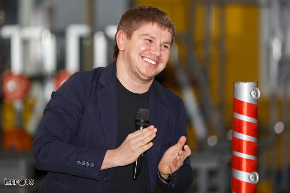 Директор СК Голливуд - Андрей Попов