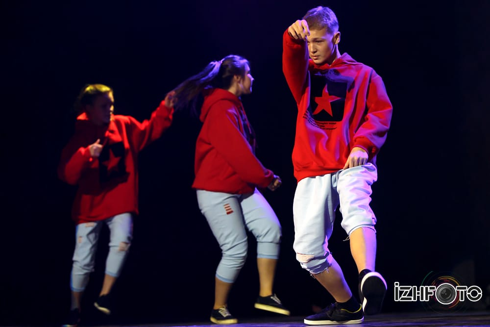 Танцевальная группа Veyv Di Фото