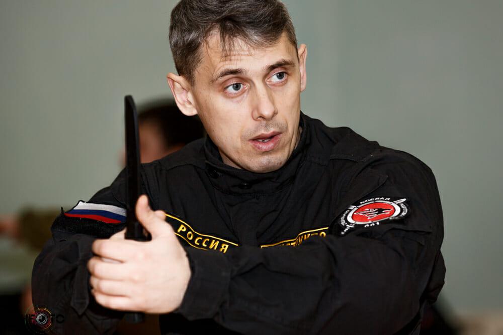 Денис Юрьевич Ряузов - генеральный директор международного центра боевой специальной подготовки Волк