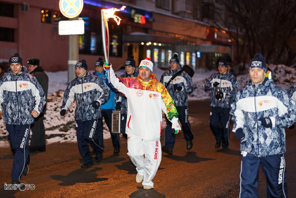Церемония эстафеты Олимпийского Огня в Ижевске