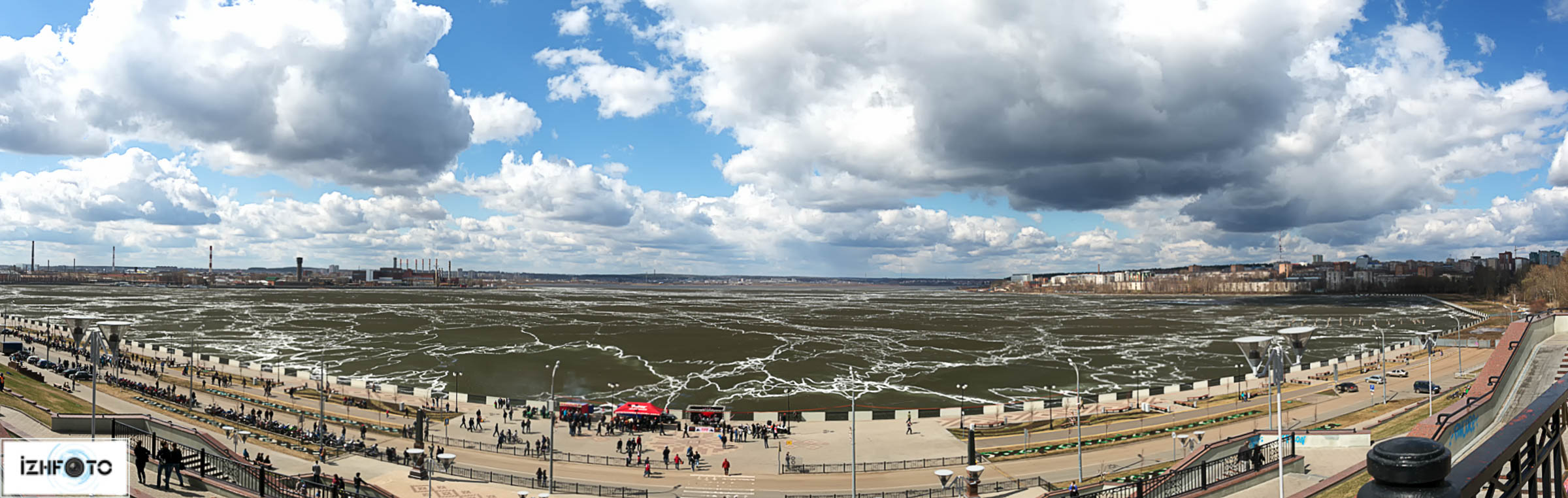 Панорама Ижевского пруда