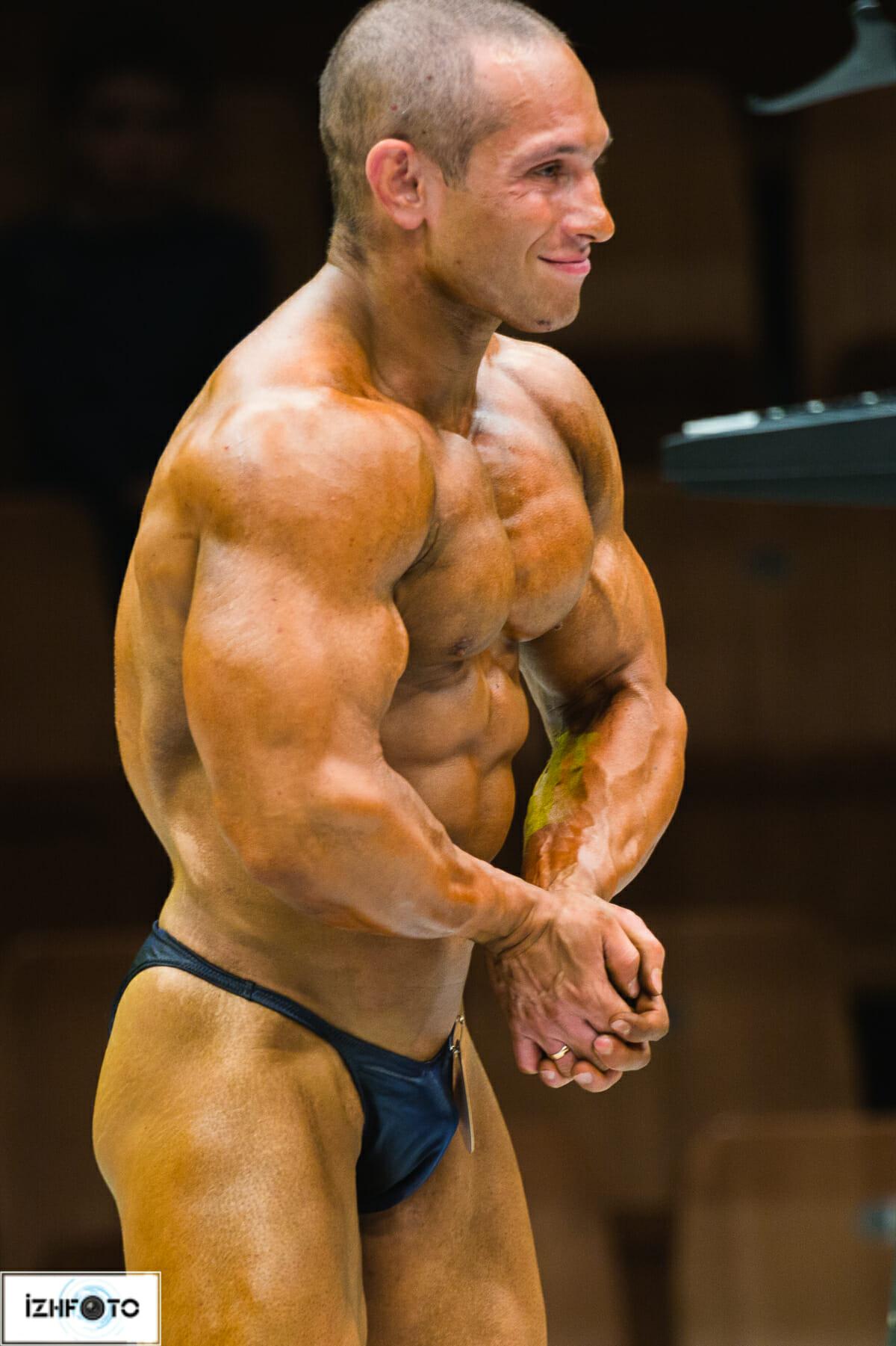 Из наград спортсмена можно отметить третье место на Чемпионате России по бодибилдингу в 2010 году, победу в Чемпионате ПФО в абсолютной категории, а также Кубок УрФО.