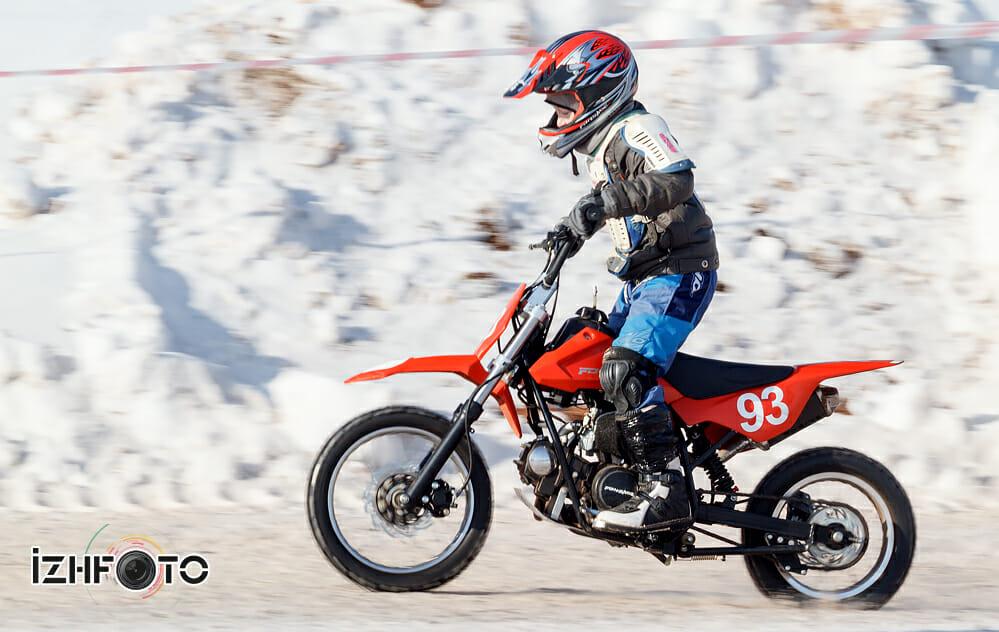 Юные мотоциклисты в Ижевске