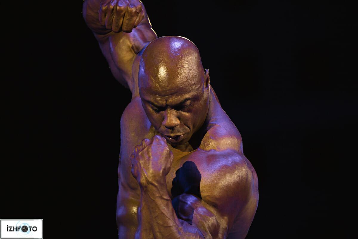 Тони Фриман начал профессионально заниматься бодибилдингом с 1991 года