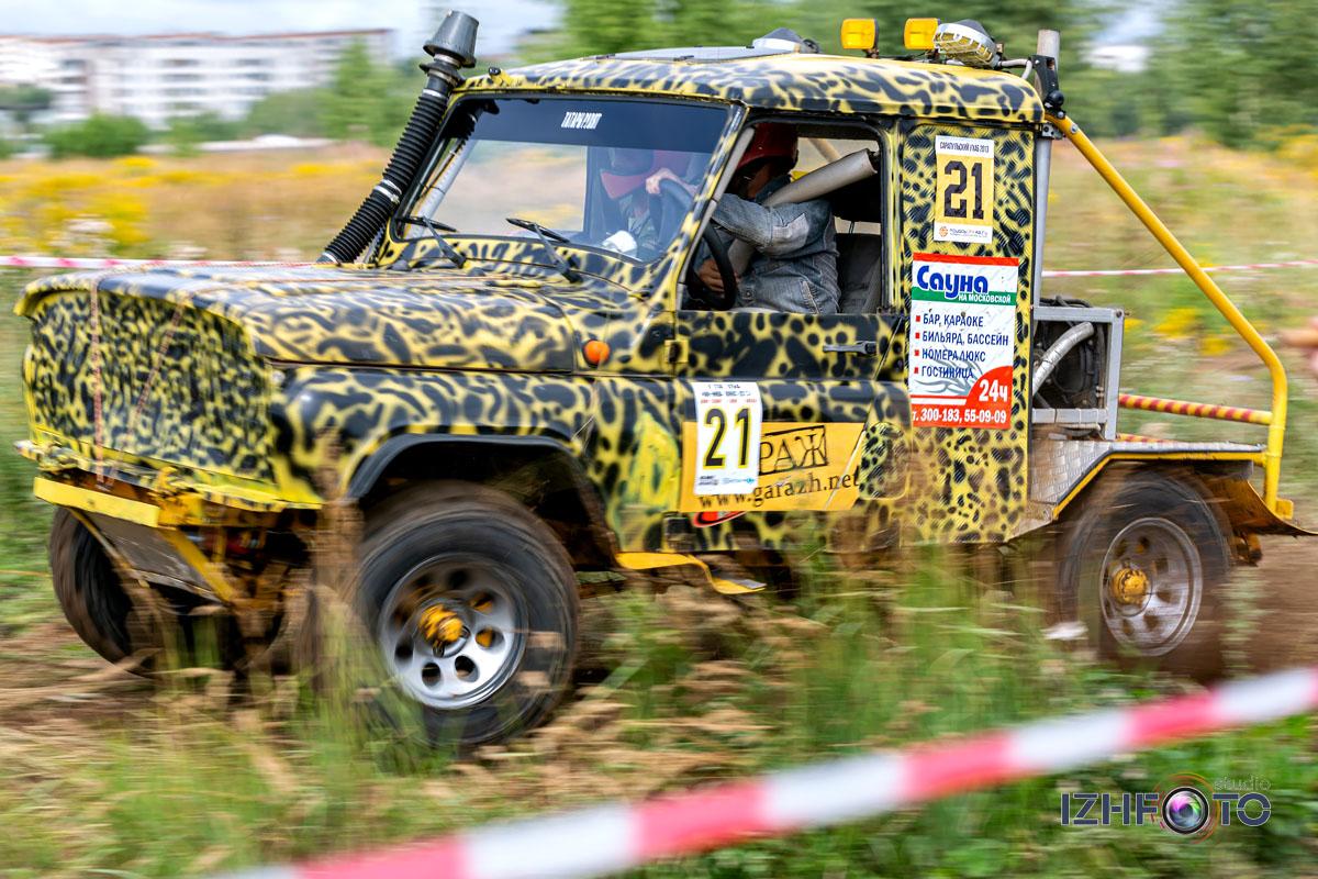 Фотографии с соревнований по Джип-Триалу в Ижевске