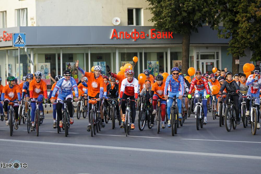 Массовый велопарад на Рыжем фестивале 2013