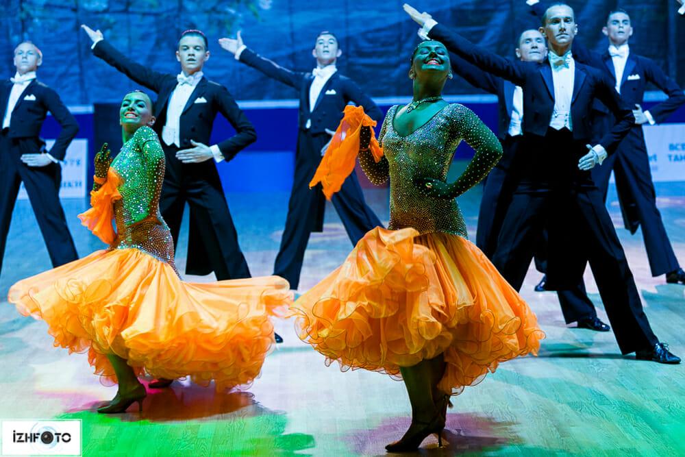 Ансамбль Вера - неоднократный участник, финалисты и призеры мировых, европейских и российских чемпионатов.