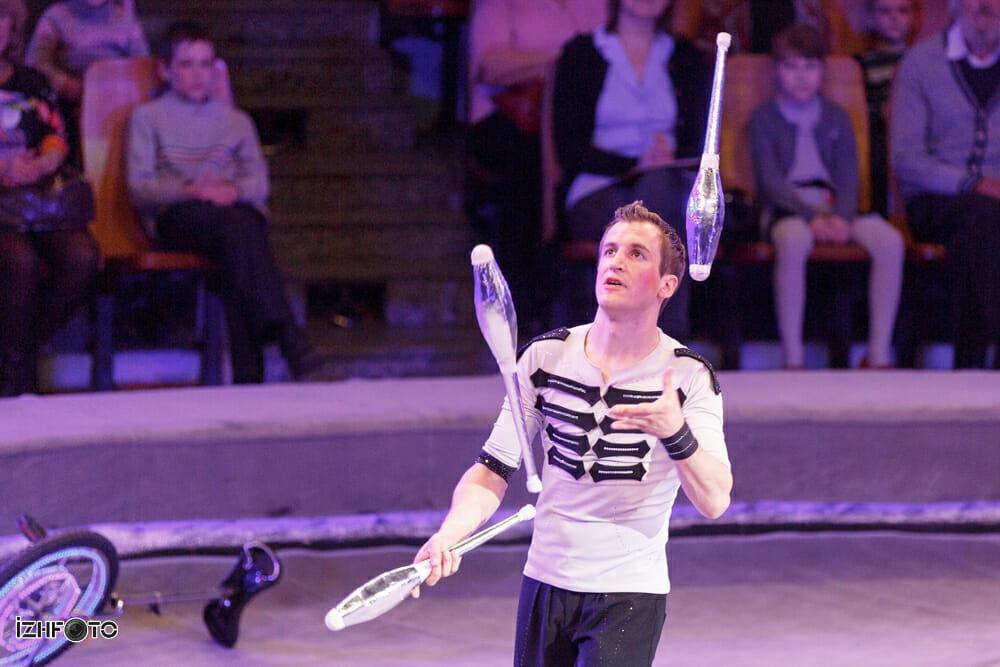 Виталий Миронов - жонглер