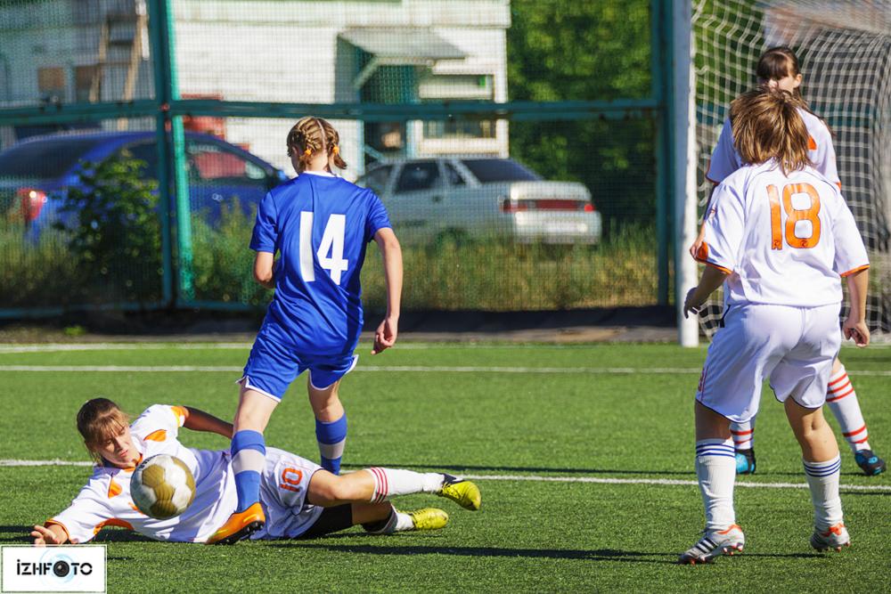 Женская футбольная команда