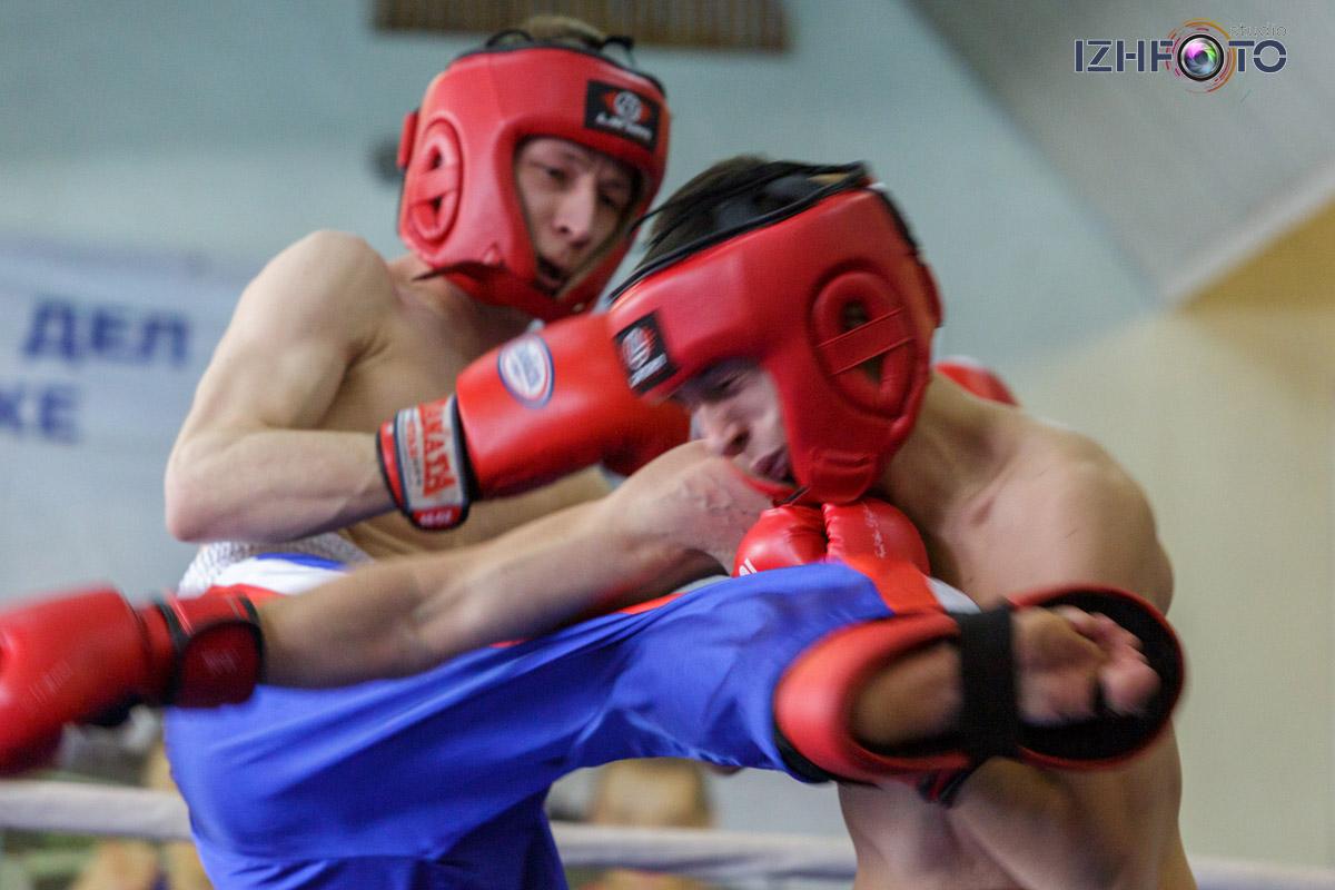 Турнир по кикбоксингу среди фитнес-клубов Ижевска