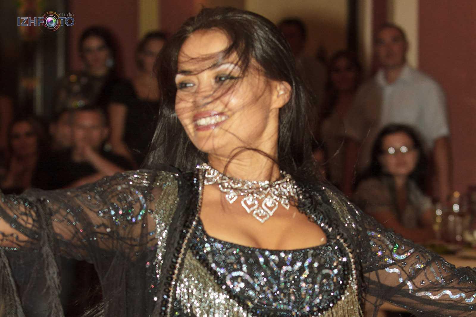 Занятия восточными танцами в Ижевске Фото