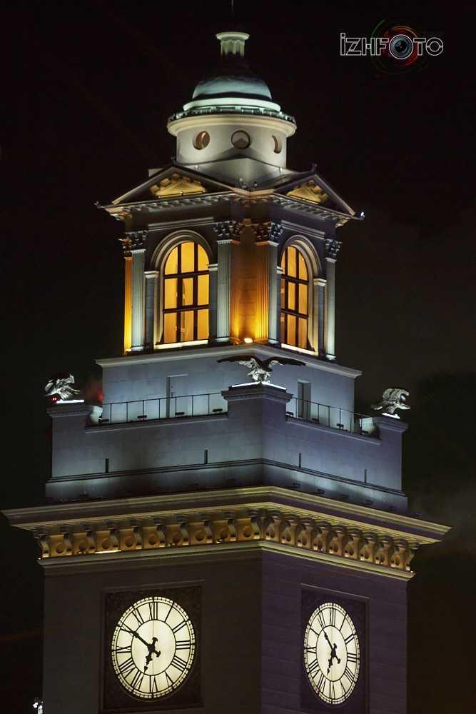 Киевский вокзал ночью Фото