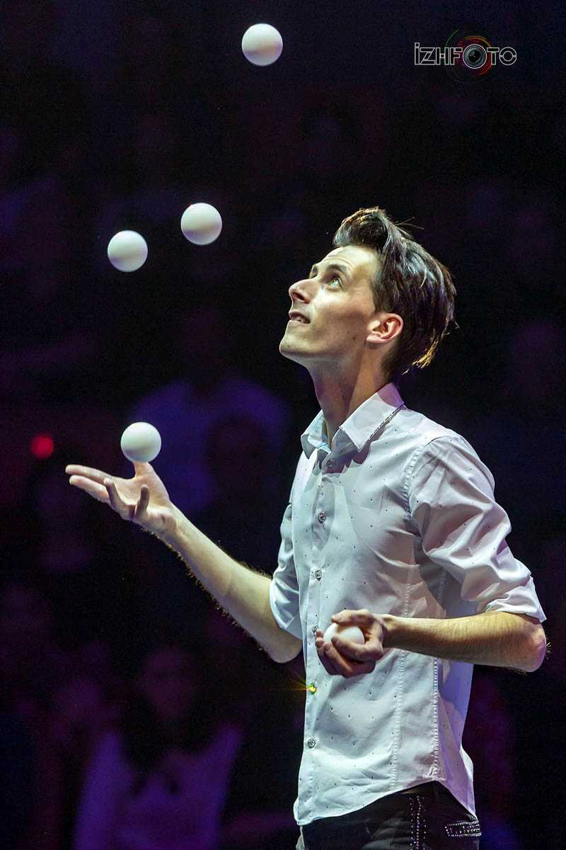 Alan Sulc, juggler, Czech Republic