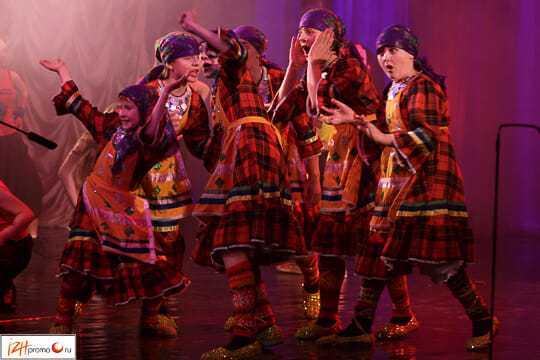 Ансамбль Чингыли - выступление с Бурановскими бабушками