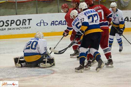 Фото с хоккейного матча Ижсталь - Казцинк-Торпедо