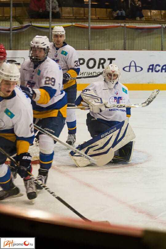 Хоккей в Ижевске: матч Ижсталь - Казцинк-Торпедо