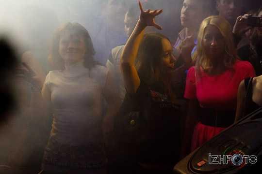 Вечеринки в клубе Пятница, Ижевск