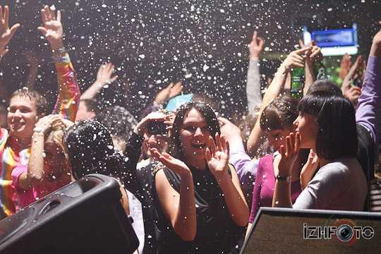 В клубе Пятница самые отрывные вечеринки!