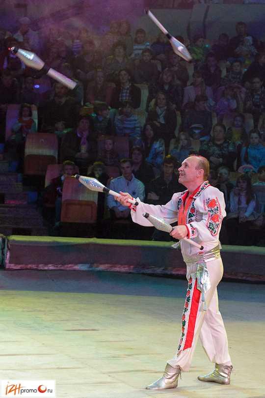 Выступление Групповых жонглеров в Ижевском цирке