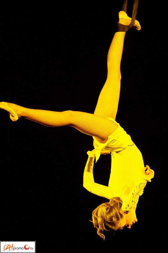 О. Маслова. Воздушная гимнастика в петлях