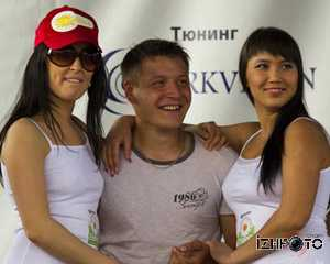 Участницы Конкурса мокрых маек