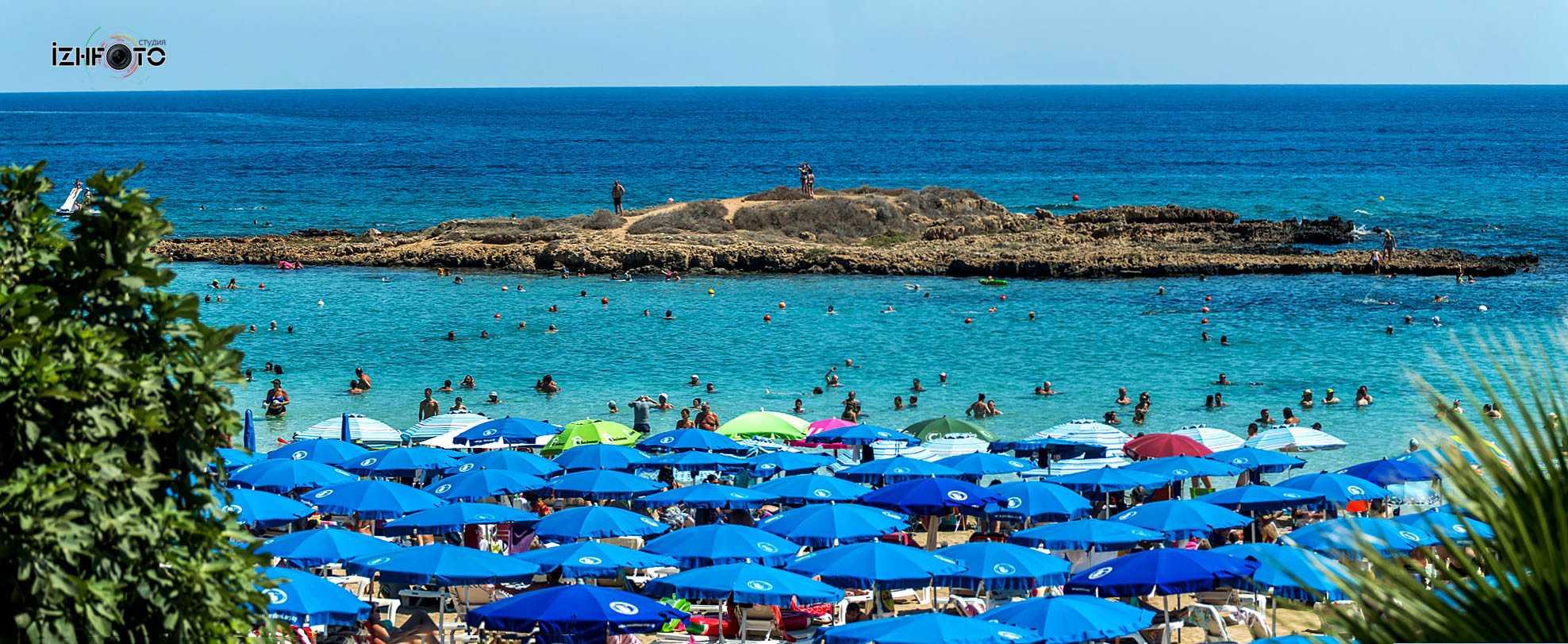 Пляж залива Фигового дерева Протарас Фото