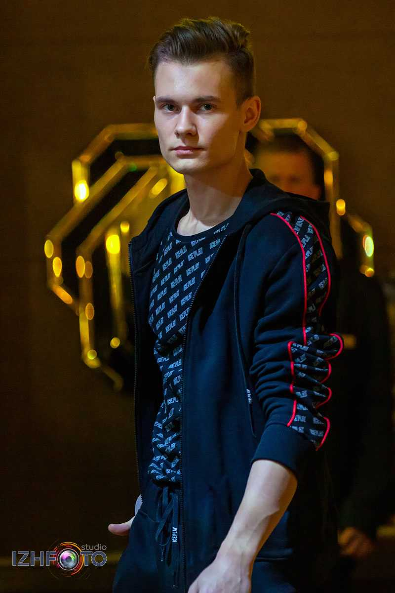 Фото моделей школы Олега Ажгихина