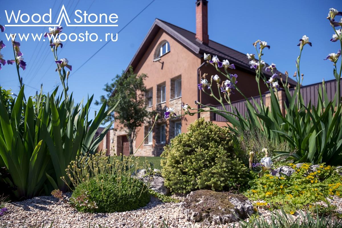 Композиции из камней и цветов