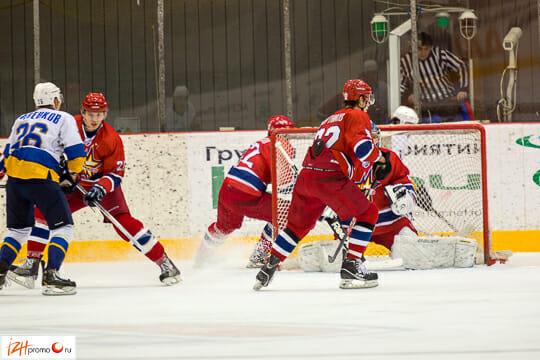 «Ижсталь» выступает в Высшей Хоккейной Лиге (ВХЛ), втором по значимости после Континентальной Хоккейной Лиги дивизионе в отечественном хоккее.