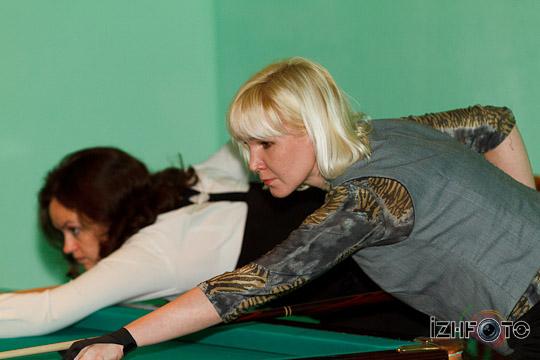 billiard_woman-11