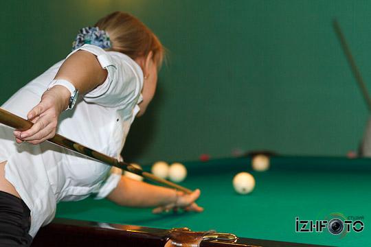 billiard_woman-211