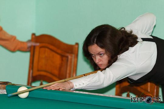 billiard_woman-23