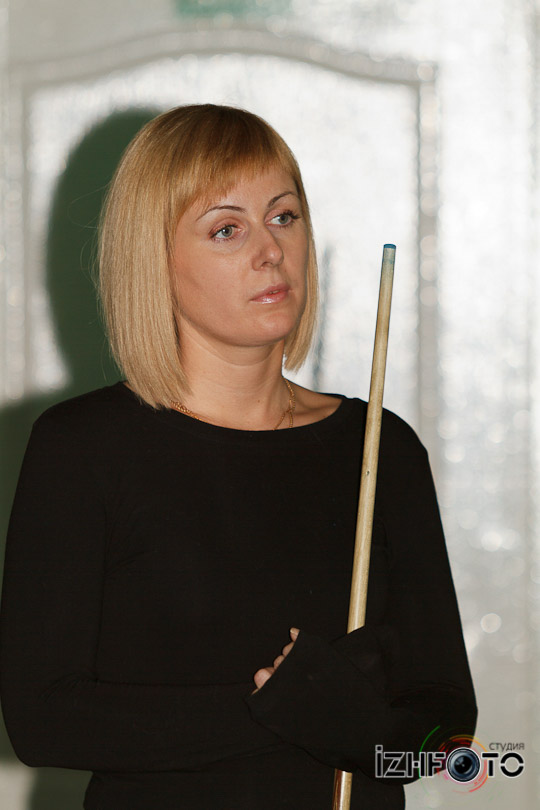 billiard_woman-3
