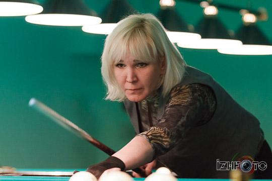 billiard_woman-34