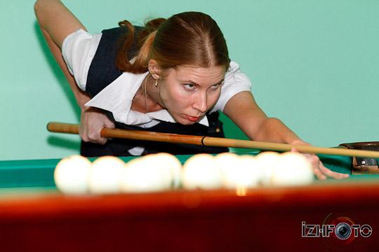billiard_woman-40