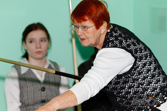 billiard_woman-72
