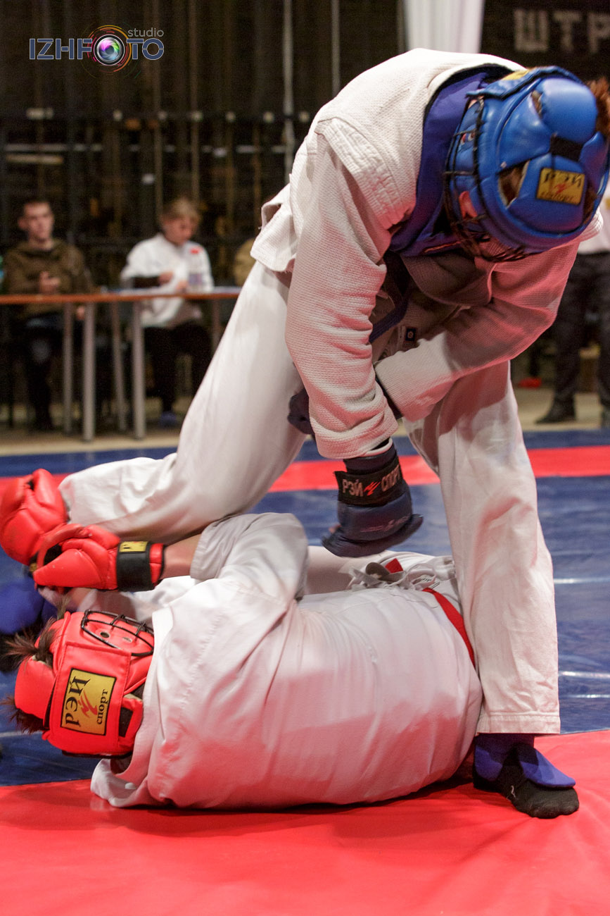 Армейский рукопашный бой Фото