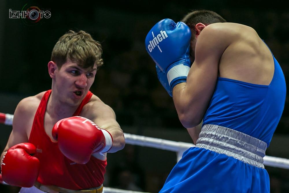 Поединки боксеров Фото