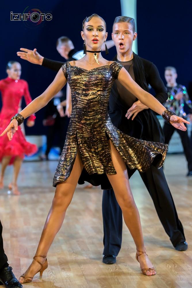 Турнир по спортивным танцам Фото